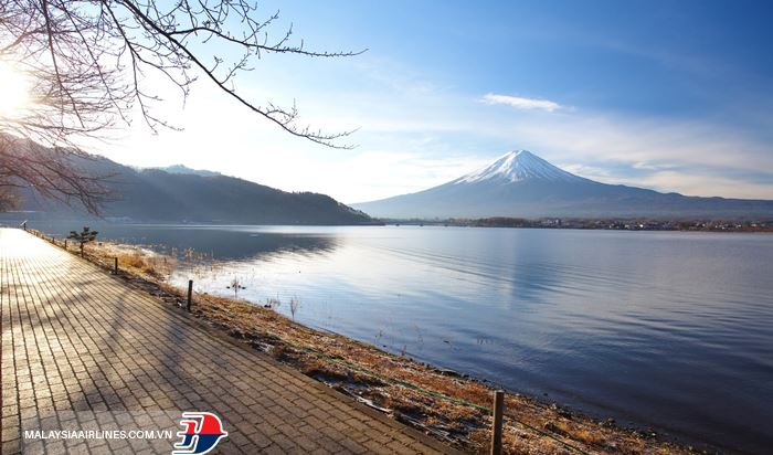 Núi Phú Sĩ ngắm từ hồ Kawaguchiko