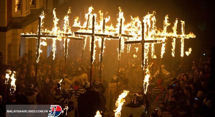 Lễ hội đêm lửa trạiGuy Fawkes Night