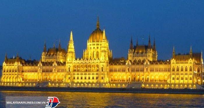 Một địa điểm nên ghé thăm khi đến Hà Lan: tòa nhà Quốc hội