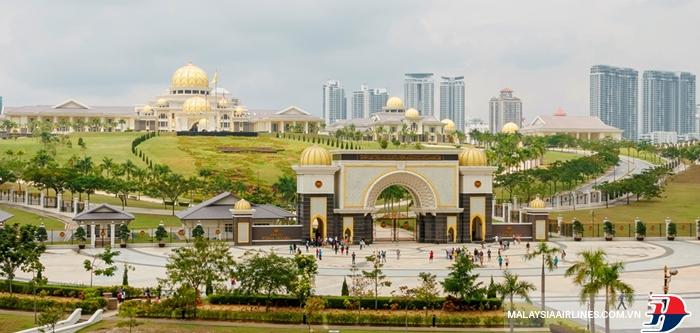 Cung điện Hoàng Gia Istana Negara